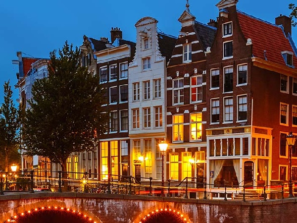 Cheap Air Tickets from Hong Kong to Amsterdam