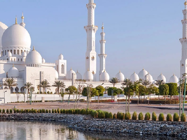 Cheap Flights from Kuwait City to Abu Dhabi