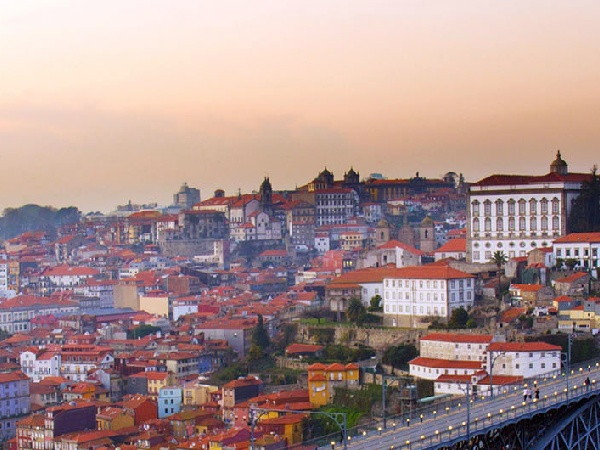 Cheap Flights from Luxembourg to Porto