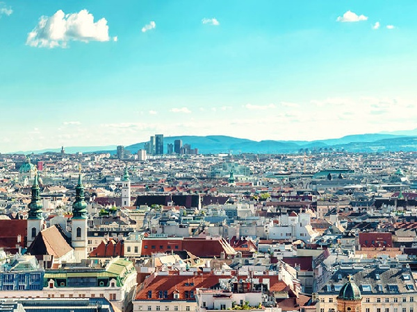 Cheap Airfares from Kuwait City to Vienna