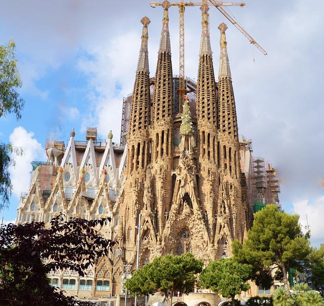 Visit La Sagrada Familia, Barcelona