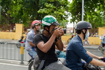 Half-Day Ho Chi Minh City Shopping Tour on Motorbike from Viator